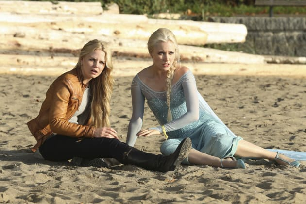 Emma and Elsa - Once Upon a Time Season 4 Episode 9