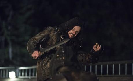 Ouch! - Arrow Season 3 Episode 23