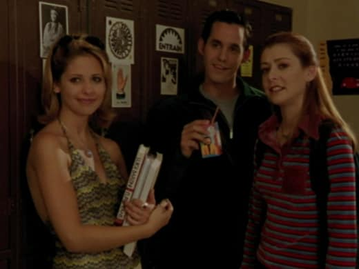 Wrong Visual - Buffy the Vampire Slayer Season 2 Episode 8