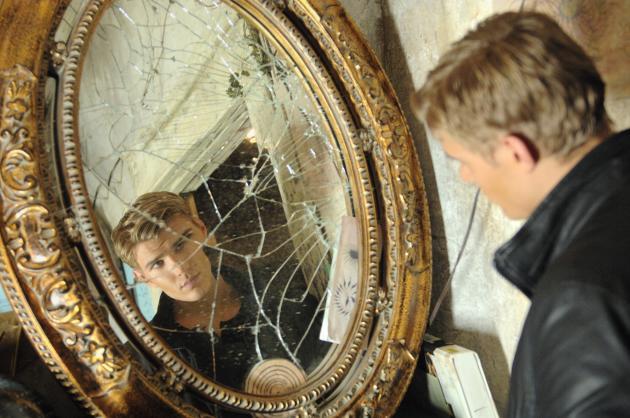 Jake vs. Mirror