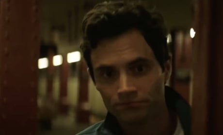 You Trailer: See Penn Badgley as a Violent Stalker!