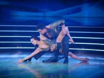Stretching Out the Lead - Dancing With the Stars