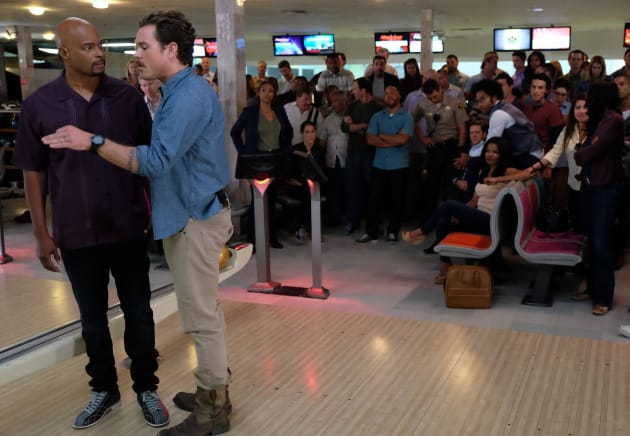 Bowling Lessons - Lethal Weapon Season 1 Episode 11