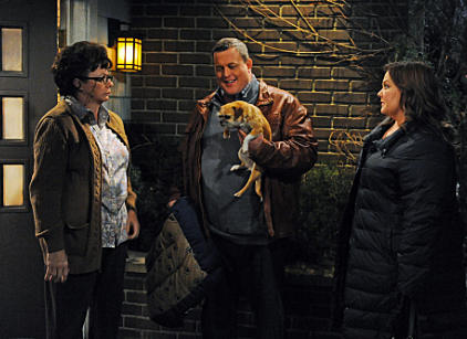 Watch Mike & Molly Season 2 Episode 18 Online
