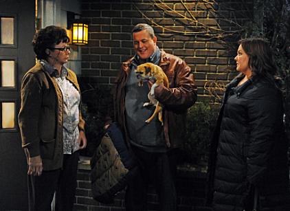 Watch Mike & Molly Season 2 Episode 18 Online
