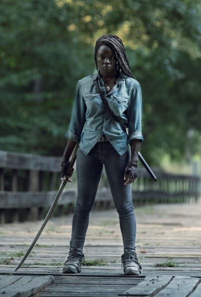 At The Ready - The Walking Dead Season 9 Episode 9