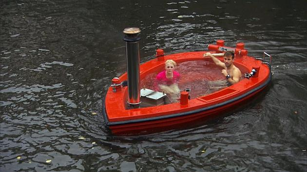 Hot tubbing in amsterdam the amazing race tv fanatic