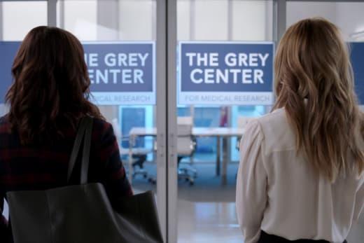 Grey Center Lab  - Grey's Anatomy Season 18 Episode 2