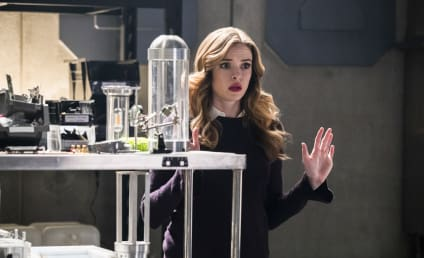 The Flash Photos: Caitlin's in Trouble!