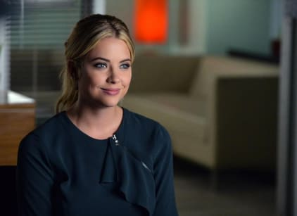 Watch Pretty Little Liars Season 5 Episode 19 Online