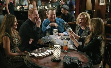 Haley's Birthday - Modern Family