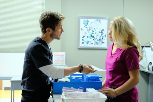 Turning on the Charm - The Resident Season 1 Episode 2