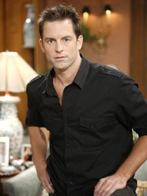 Michael Muhney Photo
