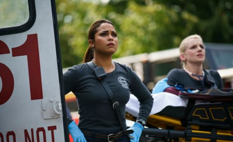 Paramedics On Duty - Chicago Fire Season 5 Episode 5