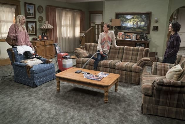Jackie Cleans - The Conners Season 1 Episode 1