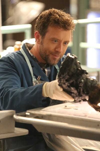 Hodgins Is Fascinated - Bones Season 12 Episode 10