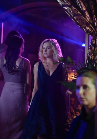 Clarke in a Dress - The 100 Season 6 Episode 4