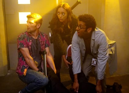 Watch Ghosted Season 1 Episode 4 Online