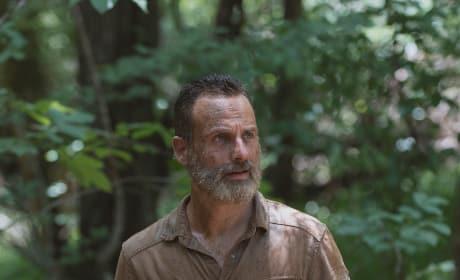 Not Alone - The Walking Dead Season 9 Episode 4