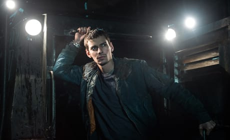 Hanging on the Truck - The 100 Season 3 Episode 11