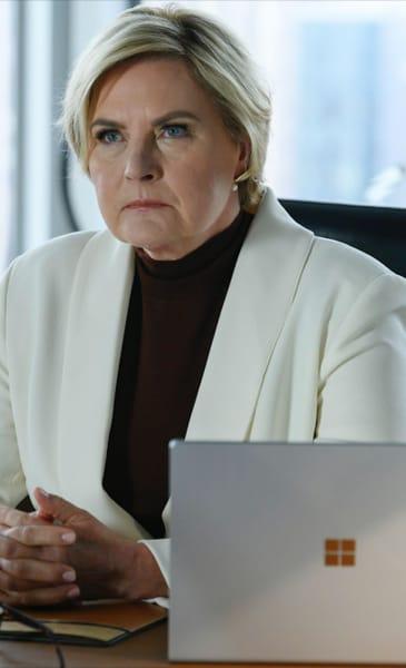 Faye Listens - Suits Season 9 Episode 4