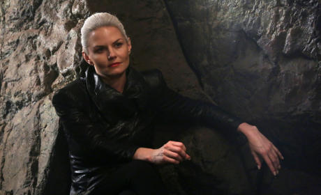 Dark Swan Alert! - Once Upon a Time Season 5 Episode 3