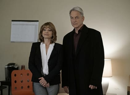 Watch NCIS Season 13 Episode 18 Online