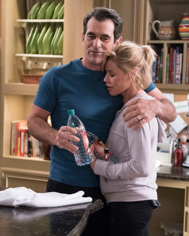 Phil and Claire - Modern Family Season 10 Episode 12