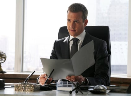 Watch Suits Season 7 Episode 13 Online