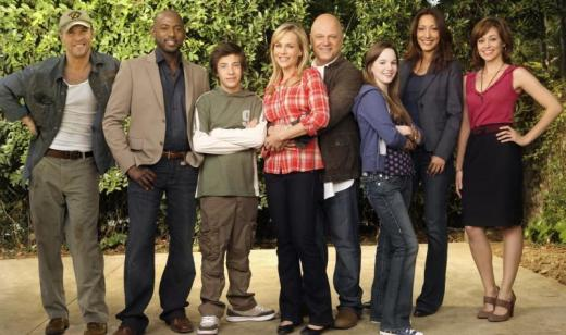 No Ordinary Family Cast Pic