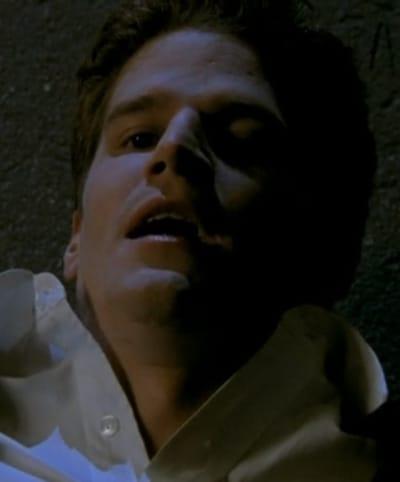 Hey There Stranger - Buffy the Vampire Slayer Season 1 Episode 1