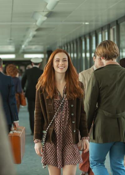 Brianna at the Airport - Outlander Season 4 Episode 2