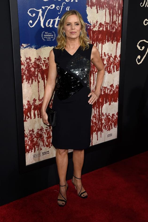 Fox Auto Group >> Kim Dickens Attends Movie Premiere - TV Fanatic