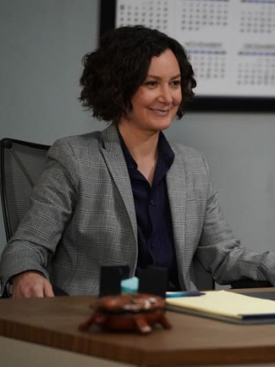 Darlene Behind the Desk - The Conners Season 3 Episode 10
