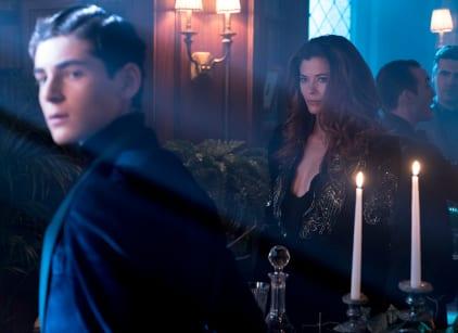 Watch Gotham Season 4 Episode 13 Online