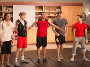 Glee Gets Naked: New Episode Stills! - TV Fanatic