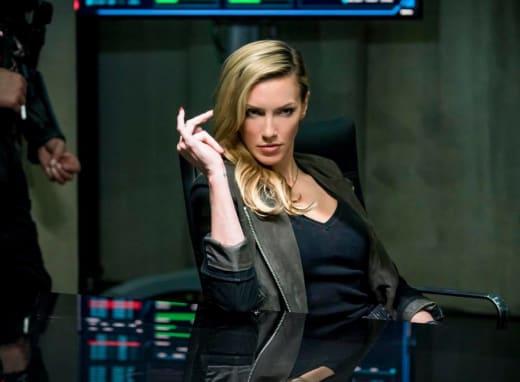 Sassy Siren - Arrow Season 6 Episode 10