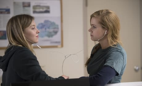 Two Friends? - Sharp Objects Season 1 Episode 3