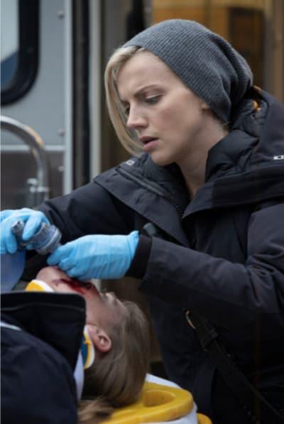 Brett paramedic - Chicago Fire Season 8 Episode 10