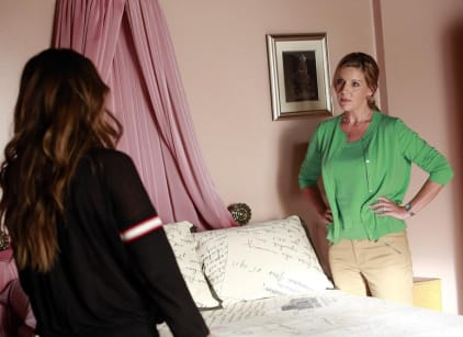 Watch Pretty Little Liars Season 4 Episode 14 Online