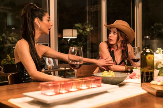 Good Decision Makers - Girlfriends' Guide to Divorce Season 3 Episode 7