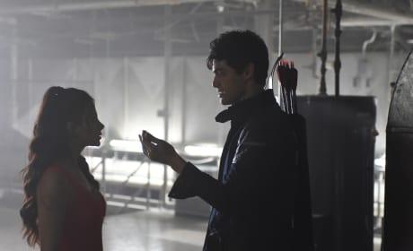 Look here - Shadowhunters Season 1 Episode 3