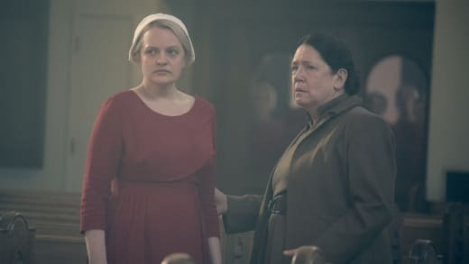 Aunt Lydia Saves the Day - The Handmaid's Tale Season 2 Episode 12