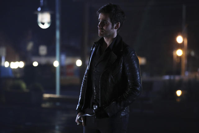 Killian on standby - Once Upon a Time Season 6 Episode 12