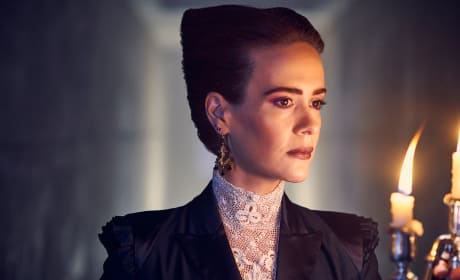 American Horror Story Apocalypse: First Photos!