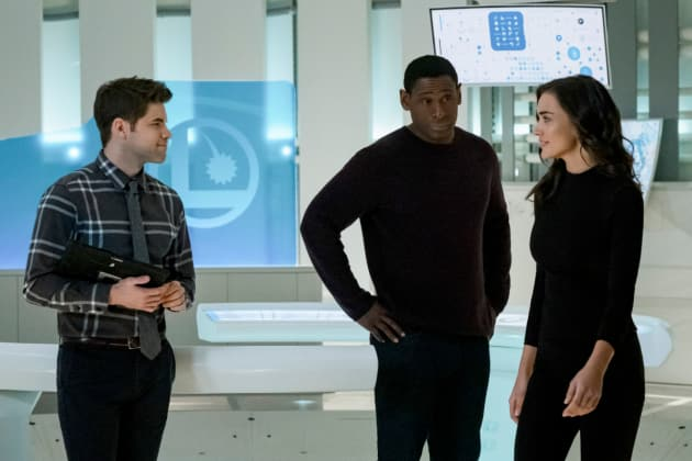 What Do We Do? - Supergirl Season 3 Episode 13