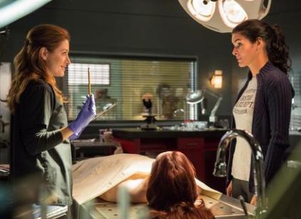 Watch Rizzoli & Isles Season 4 Episode 1 Online