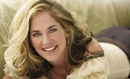 A Kassie DePaiva Autograph Signing