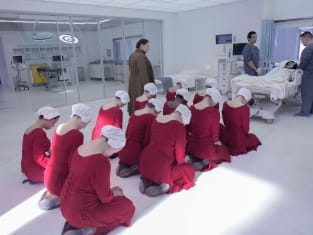 The Handmaid's Praying  - The Handmaid's Tale Season 3 Episode 9