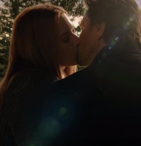 Sunrise Kiss - Virgin River Season 3 Episode 10